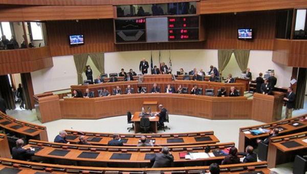 Panoramica interno consiglio regionale Sardegna