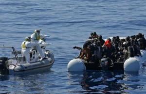 libia_affondano altri due barconi_200 salvati e 200 dispersi