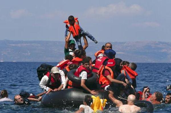 Risultati immagini per migranti 90 morti largo libia foto
