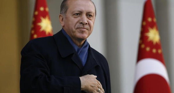 la nuova turchia del dittatore erdogan si allontana sempre di piu' dalla Ue