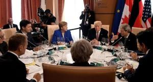 i leader dei g7 a tavolo delle trattative