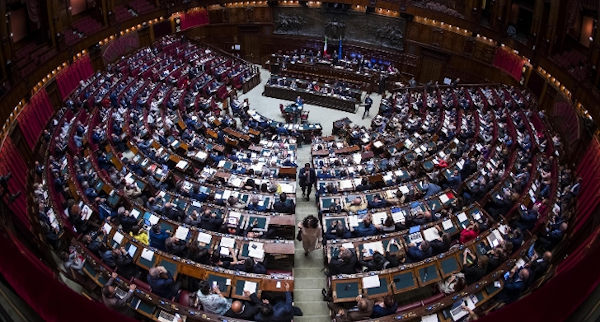 Giustizia la camera approva con 267 voti a favore 136 for Camera dei deputati on line
