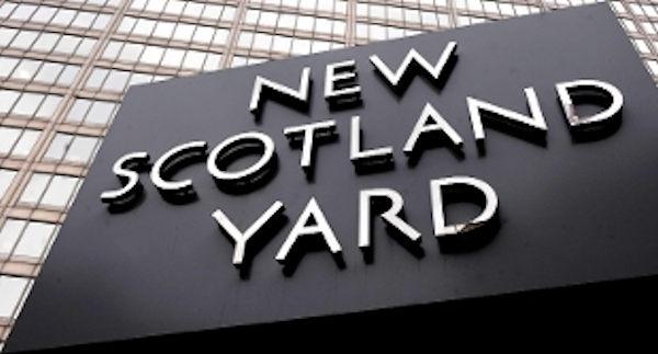 Un altro giovane italiano ucciso a coltellate a Londra: questa volta a morire è stato un ragazzo sardo del nuorese.