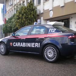 auto carabinieri davanti comando prov sassari