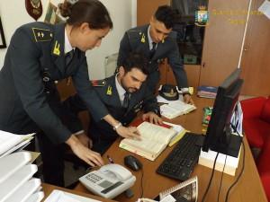 Gdf Cagliari_nella foto giovane tenente e suoi collaboratori