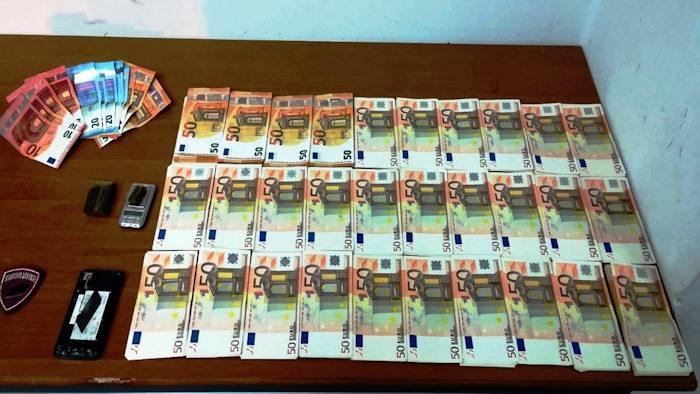 contanti per 15mila euro sequestrati a loche da polizia