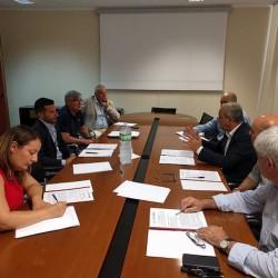 Un momento della firma Accordo per la Conservazione e valorizzazione della Ferrovia storica del Sulcis