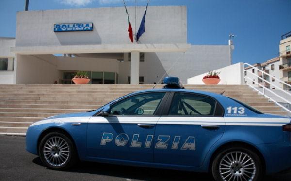 Auto polizia Commissariato Alghero