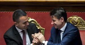 Di Maio e Conte dopo approvazione dl dignita'