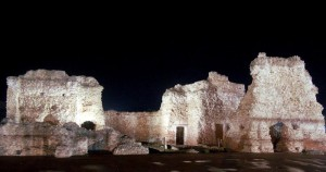 PT_area archeologica_terme centrali in notturna
