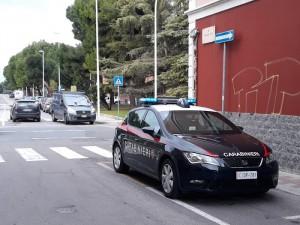 auto radiomobile carabinieri