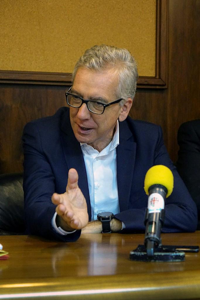 foto presidente Pigliaru