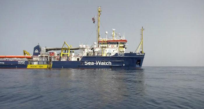 http://www.cronacaonline.it/public/content/wp-content/uploads/2019/01/migranti_a-napoli-per-la-nave-Sea-Watch-aperto-il-porto.jpg
