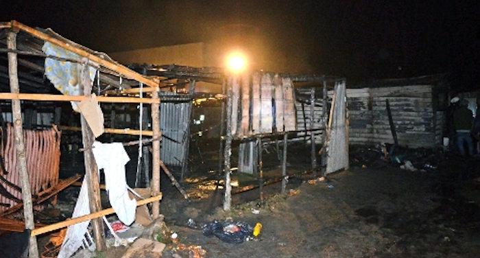 incendio in baraccopoli_morto