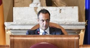 Arrestato per tangenti il presidente del consiglio di Roma del M5S.