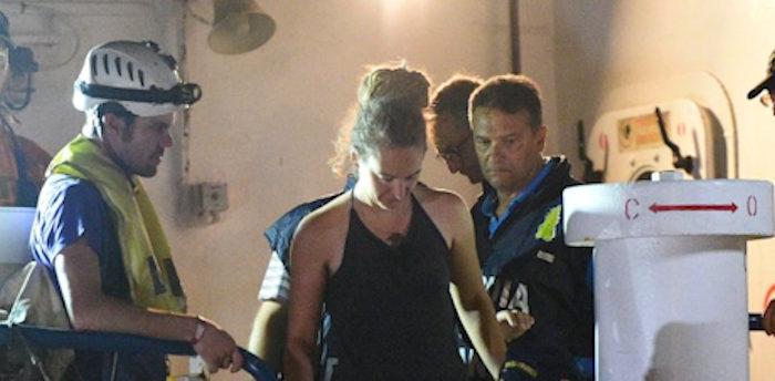 Sea Watch_ sbarcati i migranti e la capitana arrestata dai militari della Gdf