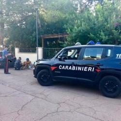 Clandestini algerini bloccadti da carabinieri comp carbonia