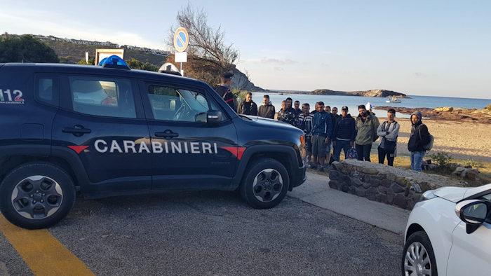 Algerini clandestini fermati dopo sbarco 2