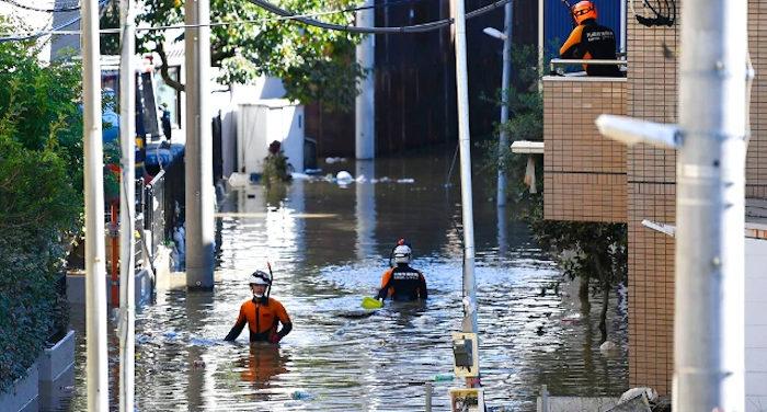 Devastazione e morte per un terribile tifone in Giappone