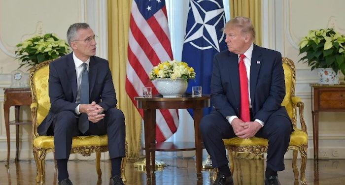 Trump d'accordo con Putin vogliono disgregare la Nato