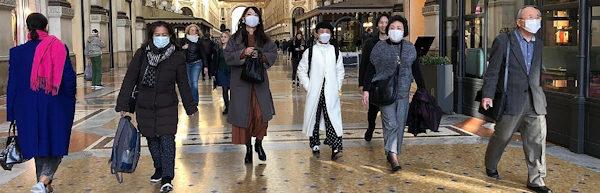 Coronavirus_cinesi a milano non hanno paura e visitano il centro