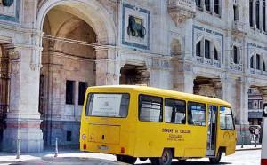 Scuolaus davanti comune Cagliari