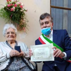 Bonaria Cadelano compie 100 anni a Cagliari