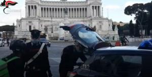 Controlli dei carabiniti in Sardegna su sfruttamento riders