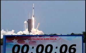 Gli Usa tornano nello spazio grazie al miiardario della Tesla