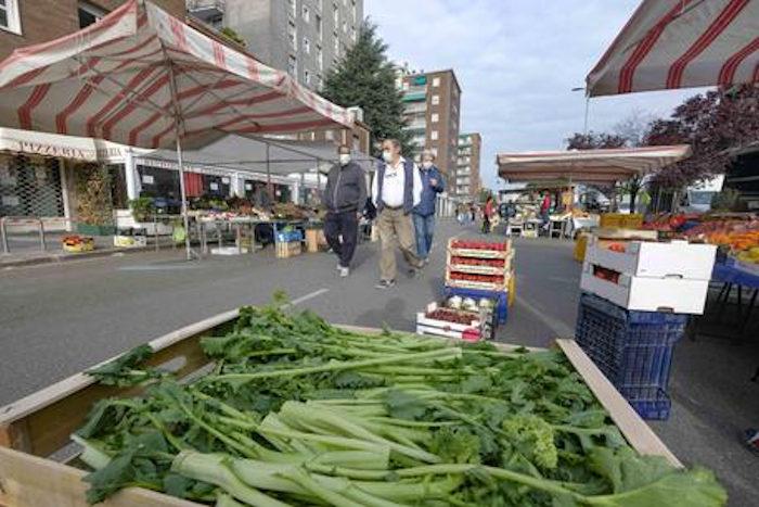 mercato all'aperto Cagliari