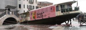 Venezia sommersa dall'acqua come non mai_danni incalcolabili